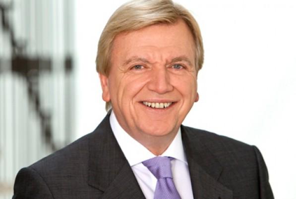 Der Hessische Ministerpräsident <b>Volker Bouffier</b> - bouffier_volker-2_c2634a26f67b2d985df09772fd61e75e_rb_597